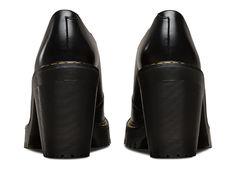 Cordelia ist eine Seltenheit von Dr. Martens: Ein Heel, der trotz tougher Sohle ein ausgewachsener Mädchen-Schuh ist...und…