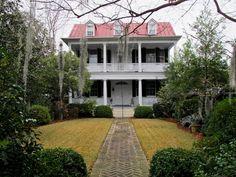l-e-v: 22 Meeting Street, Charleston Southern Plantation Homes, Southern Plantations, Southern Homes, Southern Comfort, Southern Charm, Southern Belle, Southern Living, Beautiful Buildings, Beautiful Homes