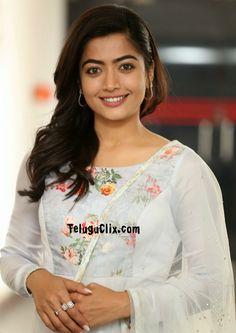 South Indian Actress Photo, Indian Actress Photos, Beautiful Indian Actress, Indian Actresses, Girl Actors, Vijay Devarakonda, Blouse, Emoji, Tops