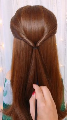 This will make people with less hair look more beautiful. Mittlere Hochsteckfrisuren , hochsteckfrisur selber machen - so geht Bear Dream Double-Colour Maxi Bath Towel. Easy Hairstyles For Long Hair, Straight Hairstyles, Braided Hairstyles, Cool Hairstyles, Office Hairstyles, Anime Hairstyles, Hairstyles Videos, Hairstyle Short, Hair Updo
