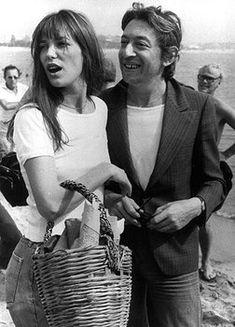 Gainsbourg et Birkin - Lucien Ginsburg, né le 2 avril 1928, à Paris, dandy musicien, parolier des plus belles femmes françaises, a 40 ans lorsqu'il rencontre la belle Jane. Il sort d'une passion courte mais torride avec Brigitte Bardot à qui il a offert Initials B.B. C'est aussi avec Bardot qu'il a enregistré la première version de Je t'aime, moi non plus mais c'est d'abord chantée par Birkin qu'elle deviendra un tube international en 1968.      #cinema #musique #chanson #france