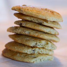 Dalatupp - cookie from Valdres #kjeks #cookies #kardemomme #cardamom #raisins #rosiner #sour_cream #roemme #30min