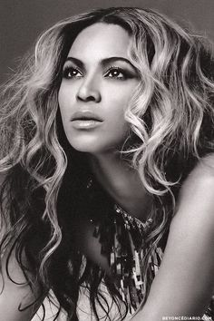 Beyonce! Now this isn't because she's one of my favorite artist, but this really is amazing photography work. The lighting and angle is all just right!
