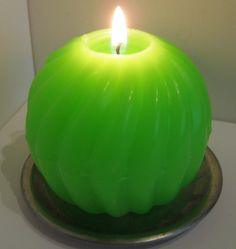 The Funki Fluorescent Collection Green Spiral Sphere Candle £6.00