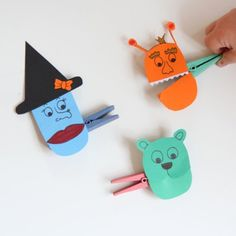 An easy peasy craft for kids. Turn clothes pegs into monsters with this tutorial.