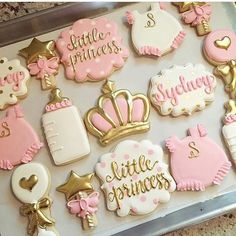 The cutest of girliest sets by And that lettering! - Baby shower ideas - Baby Tips Baby Shower Treats, Baby Girl Shower Themes, Girl Baby Shower Decorations, Baby Shower Princess, Baby Shower Cookies, Baby Shower Gender Reveal, Baby Shower Sheet Cakes, Baby Girl Cookies, Princess Cookies