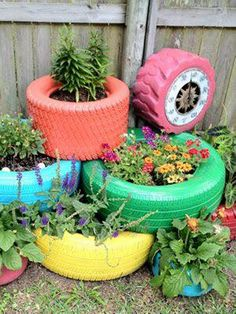 These are again some multi purposed planters made with the dumped tyres and rims of your car. I am sure you never knew that these mere tyres could be used in such a great way for the decoration of your garden.