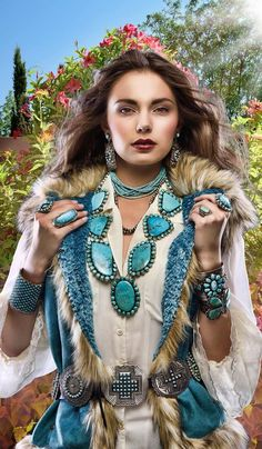 Samsville Gallery is a Santa Fe store featuring native and American Jewelry items. Cowgirl Outfits, Cowgirl Style, Cowgirl Hats, Western Style, Native American Fashion, Native American Jewelry, Look Boho, Bohemian Style, Vintage Turquoise