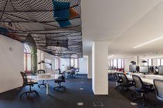 Galeria de Uniplaces Headquarters / Paralelo Zero - 33
