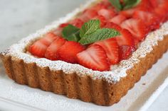 Looking for an easy elegant dessert? Nothing says summer like this fresh strawberry lemon mascarpone tart. Gallette Recipe, Baking Bad, Delicious Desserts, Dessert Recipes, Strawberry Tart, Elegant Desserts, Pastry Shop, Gluten Free Baking, Food To Make