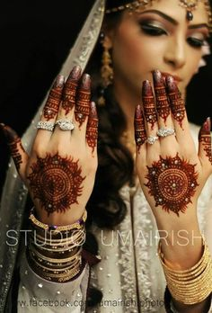 I like the nailcolor so the nailcolor doesn't look too jarring with the wedding mehendi.