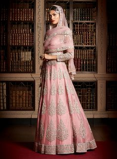 Fashion Gallery :: Khush Mag - Asian wedding magazine for every bride and groom planning their Big Day Pakistani Bridal Wear, Pakistani Outfits, Indian Outfits, Ethnic Outfits, Bollywood, Ethnic Fashion, Asian Fashion, Women's Fashion, India Fashion