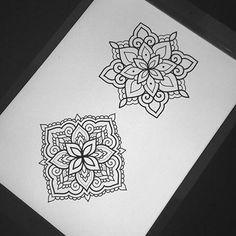 Simple Mandala Tattoo, Mandala Tattoo Design, Mandala Art, Tattoo Designs, Black Ink Tattoos, Body Art Tattoos, Zentangle, Hand Tats, Tattoo Flash Art