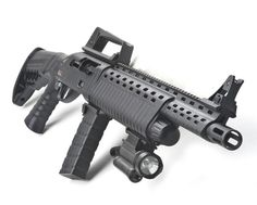 Turkish firm Derya Arms Industry have developed a nifty magazine fed semi-automatic shotgun called the Anakon.