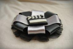 Broche 'Petit Noir'     http://es.dawanda.com/product/38251893-Broche-Petit-Noir#