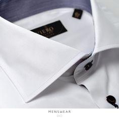 Skjorter fra Viero Milano er laget i 100% bomull, stoffet veves i Italia av de beste skjortestoff -produsentene. Hos oss får du skjorter i slimfit, klassisk og ekstra lang arm. www.menswear.no/skjorte  Photo: @katyadonic #menswear_no #menswear #oslo #tjuvholmen #lysaker #bogstadveien #hegdehaugsveien #skjorte #perlemor #viero #jobb #fest #shirt #suitup #motherofpearl #buttons