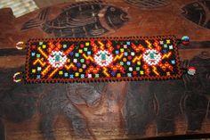 Soles de Huichol 3 abalorios pulsera OOO por HuicholArte en Etsy