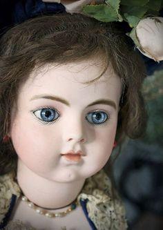 Великолепная редкая классическая кукла Bru Jne с кожаным телом, высота 63 см, 1880 г. - на сайте антикварных кукол.