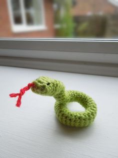 Happy Berry Crochet: Free Crochet Snake Pattern - Chinese New Year 2013
