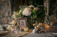 Details of the wedding table : eucalyptus, baby's breath, O'hara roses and hydrangeas! <3