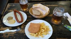 We always stop for classic Czech beer and food on our private tour of Prague. Czech Recipes, Ethnic Recipes, Czech Beer, Czech Food, Prague, Mexican, Traditional, Classic, Kitchens