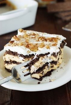 No-Bake Chocolate-Pumpkin Icebox Cake ~ chocolate & pumpkin are so great together!  With chocolate graham crackers & a quick pumpkin mousse, this creamy no-bake dessert makes it easy to deliciously bring these flavors together.   www.thekitchenismyplayground.com