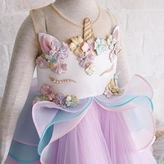 Unicorn dress this is beautiful inspiration Unicorn Birthday Parties, Girl Birthday, Honey Bee Kids, Baby Dress, Dress Up, Mode Kawaii, Unicorn Outfit, Unicorn Dress Girls, My Baby Girl