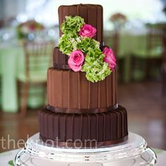 Minus the flowers, add some chocolate covered strawberries and it would be the perfect wedding cake!