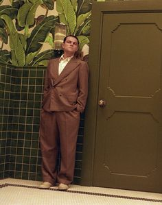 """The famous Beverly Hills Hotel """"Martinique"""" wallpaper as seen in The Aviator."""