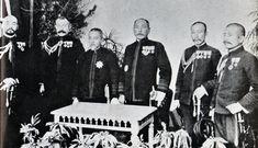 日露戦争連合艦隊幹部。(右から秋山真之、加藤友三郎、上村彦之丞、東郷平八郎、島村速雄、舟越楫四郎)
