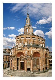 Antigua iglesia de Laboral, ciudad de la cultura. University Labor II - Gijón, Asturias. Laboral, Cité de la culture