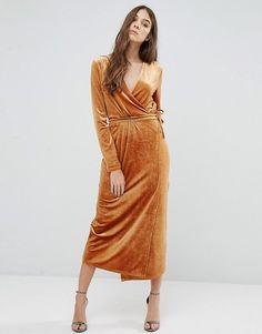 A Velvet Boho-Inspired New Year's Eve Wedding // orange crushed velvet dress