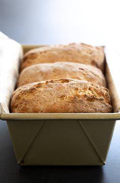 Gluten-free bread: Japanese milk bread is the softest bread ever - GF bread - Gluten Free Diet Plan, Best Gluten Free Bread, Gluten Free Cooking, Gluten Free Desserts, Gluten Free Recipes Healthy Snacks, Grain Free Bread, Gluten Free Grains, Cooking Food, Healthy Desserts
