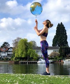 Does anyone else find they get lost in their own little world when they're out for a run? If you often feel your mind wandering while you're pounding the pave World Health Day, Rehearsal Dress, Health Magazine, Pavement, Daydream, Good News, Gain, Healthy Life, Bliss