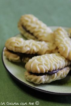 Biscotti all'olio al profumo di limone - In Cucina con Me (Oil biscuits with lemon fragrance - In The Kitchen with Me)