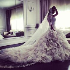 The beautiful Donia Samir Ghanem wearing Yasmine Yeya couture