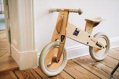 FvF Item of the week: Riding in style We spotted this marvelous mini wooden bike in co-founder of CeeCee Newsletter, Sven Hausherr's home in Berlin. Wood Bike, Push Bikes, Balance Bike, Kids Bike, Kids Corner, Wood Toys, Kids Furniture, Kids Playing, Wood Crafts