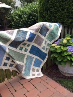 Linda's Quilt called Patio by Happy Zombie designs. http://www.happyzombie.bigcartel.com/product/patio