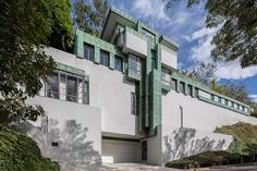 Ever wanted to live in a Frank Lloyd Wright house? Now you can: the Samuel Novarro House in Los Angeles has just been put up for sale. Bui...