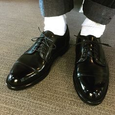 2018/02/07 18:04:09 nattoo0612 プレメンテしていざはきおろし #alden #aldencordovan #alden2161 #cordovan #オールデン #オールデン2161 #コードバン Alden 990, Men's Leather, Leather Shoes, Men Dress, Dress Shoes, Get Dressed, Men's Fashion, Oxford Shoes, How To Wear