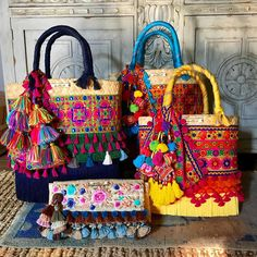 🎁🎄 El regalo perfecto, inf whats 9933 023007 o inbox Ethnic Bag, Diy Tote Bag, Embroidery Bags, Unique Purses, Jute Bags, Craft Bags, Fabric Bags, Quilted Bag, Beautiful Bags