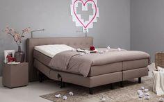 Dit heerlijke bed is voor op onze logeerkamer. Kunnen onze gasten ook heerlijk slapen.
