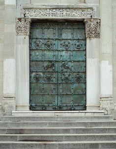 ROMANESQUE METALWORK 13TH CENTURY Odorisio da Benevento Cathedral Santa Maria in EpiscopioTroia:the & Medieval bronze doors at Benevento Cathedral Benevento Italy ... Pezcame.Com