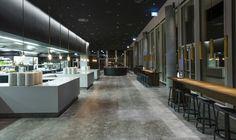Богатый интерьер ресторана класса люкс