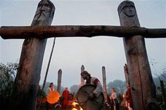 Western Pagans celebrate nature, seen here at YSEE ritual (Wikipedia). Russian neo-pagans look on while participating in festivities to ce. Summer Solstice Ritual, Russian Mythology, Witch Rituals, Pagan Festivals, Viking Art, Witch Aesthetic, Perfect World, Stonehenge, Artistic Photography