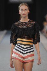 Charo Azcona en la MFSHOW WOMEN septiembre 2015 - Ediciones Sibila (Prensapiel, PuntoModa y Textil y Moda)