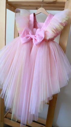 African Dresses For Kids, Little Girl Dresses, Girls Dresses, Flower Girl Dresses, Kids Dress Wear, Kids Gown, Baby Frocks Designs, Kids Frocks Design, Pink Princess Dress