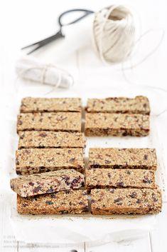 Verwenden Sie die Daten anstelle von Zucker: Bars mit roten Früchten und Kakaobohnen | Vegan