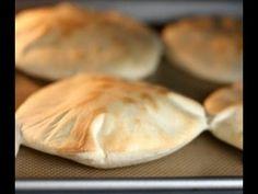 Пита - бездрожжевой постный хлеб.