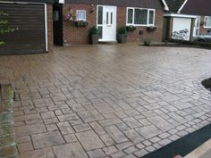 stamped concrete cobblestone driveway -